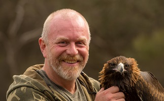 A photo of Scot Gardner with an eagle